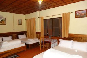 Zuela-Guesthouse-Restaurant-Luang-Namtha-Laos-Room.jpg